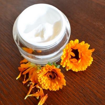 קרם קלנדולה עשיר להרגעת העור